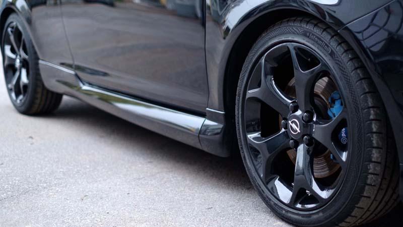 Consejos para revisar los neumáticos de tu auto