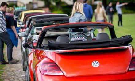 La convención de los Volkswagen Beetle invaden Wolfsburg