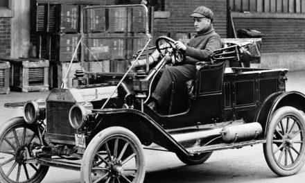 El primer automóvil que circuló por las calles de México