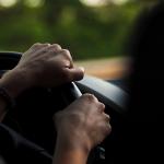 Razones por las que vibra el coche cuando aceleras